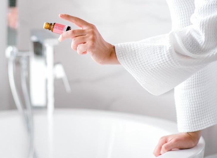pure-rose-essential-oil