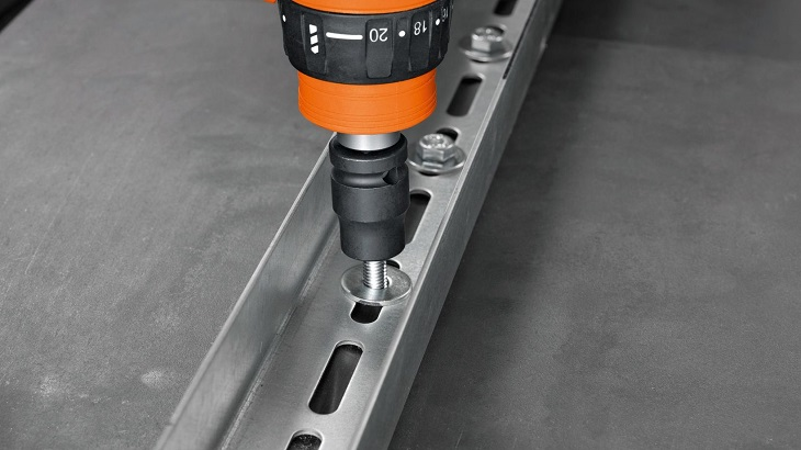 self-drilling-self-tapping-screws-in-drill-adapter
