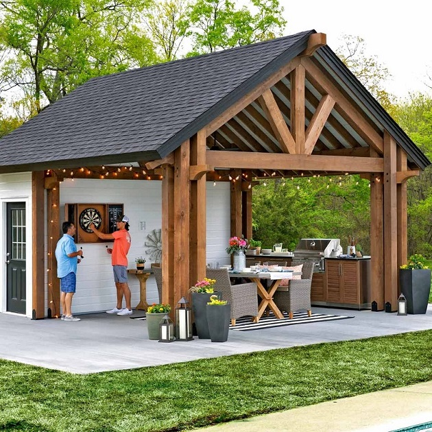 Outdoor-Kitchen-in-Shed